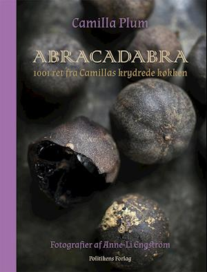 Abracadabra af Camilla Plum