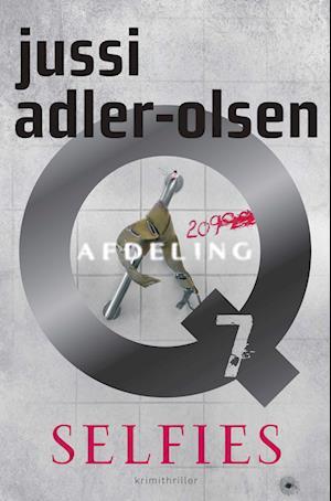 Selfies af Jussi Adler-Olsen